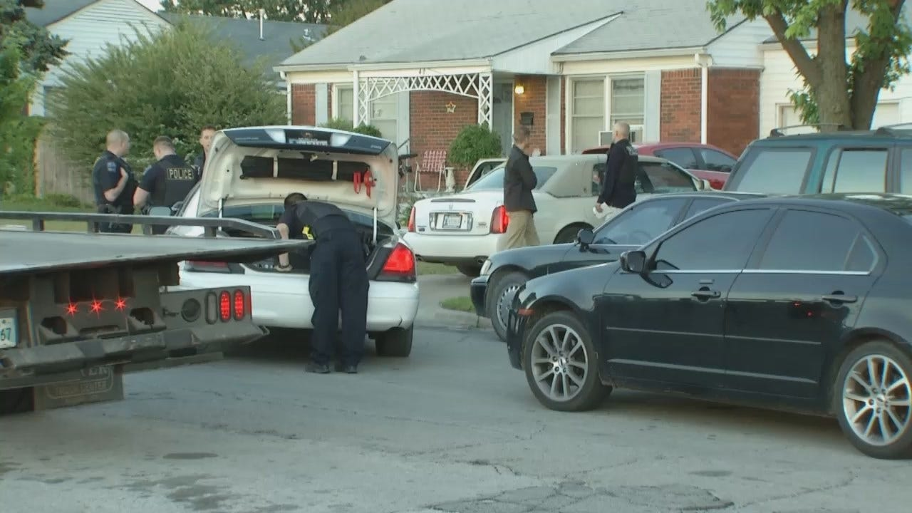 WEB EXTRA: Video From Scene At Tulsa Home Where Homicide Suspect Arrested