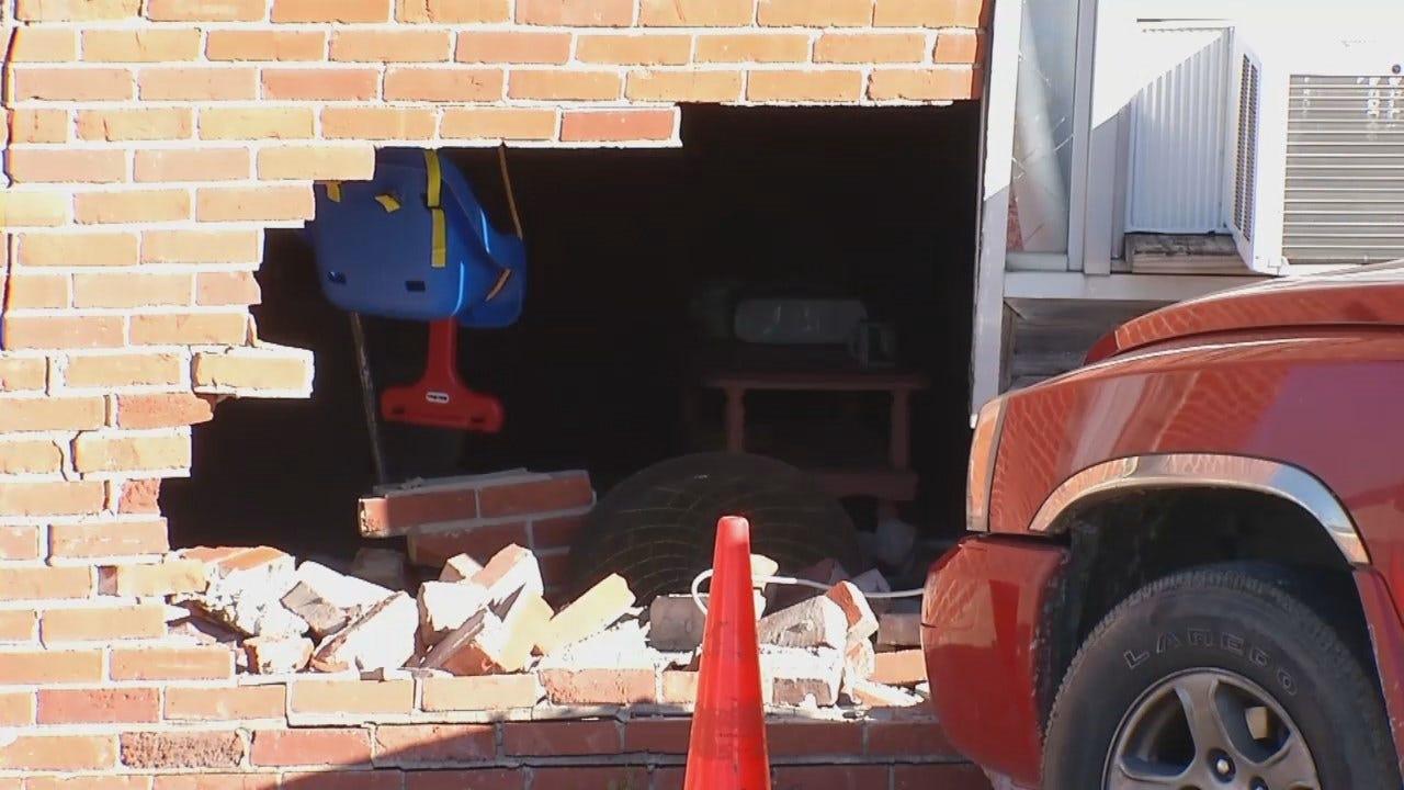 WEB EXTRA: Pickup Crashes Into Tulsa Apartment Building