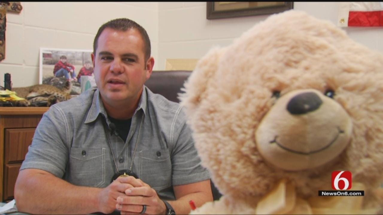 5-Year-Old Donates Teddy Bears To Pittsburg County Sheriff's Office