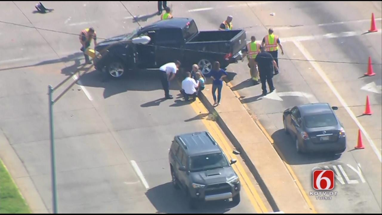 Osage SkyNews 6 HD Flies Over Wreck At 96th And Riverside