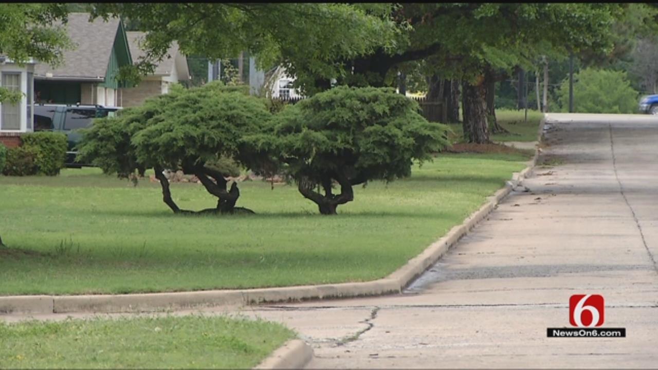 Tulsa Police Capture Escaped Suspect Hiding In Neighborhood