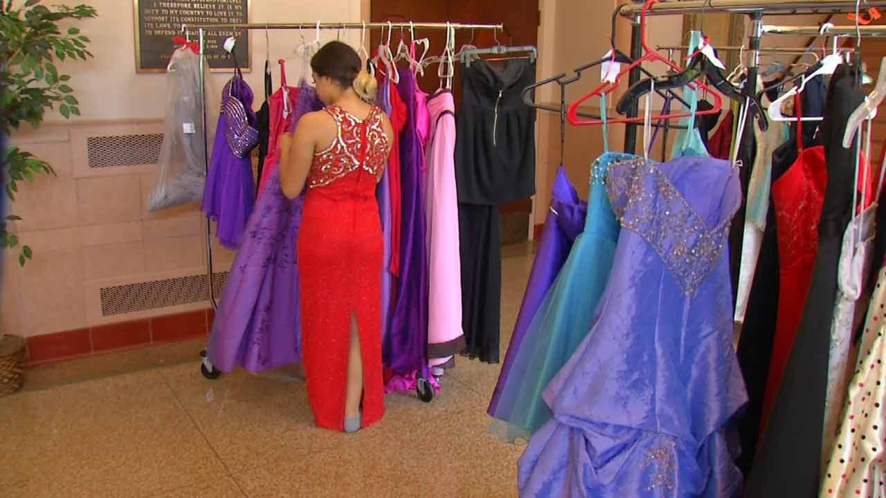 Cinderella Prom Project Continues To Grow, Help Tulsa Students