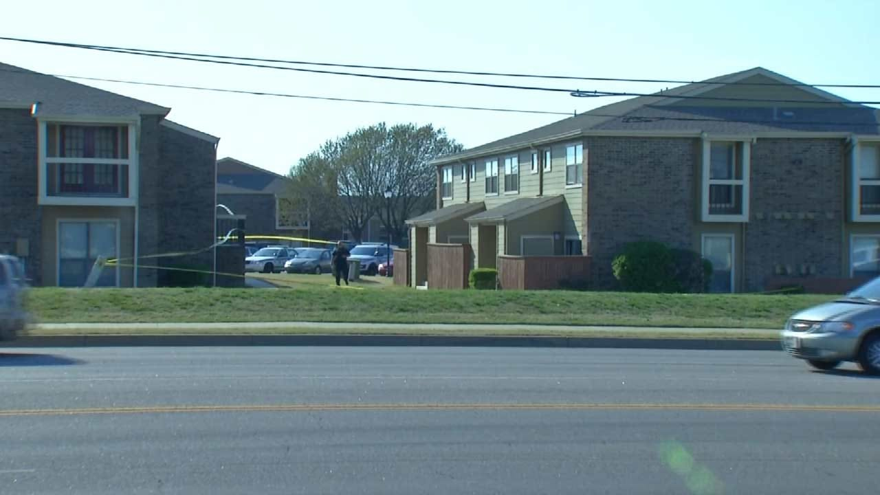 Tulsa Police: Woman Choked Inside Apartment In Serious Condition