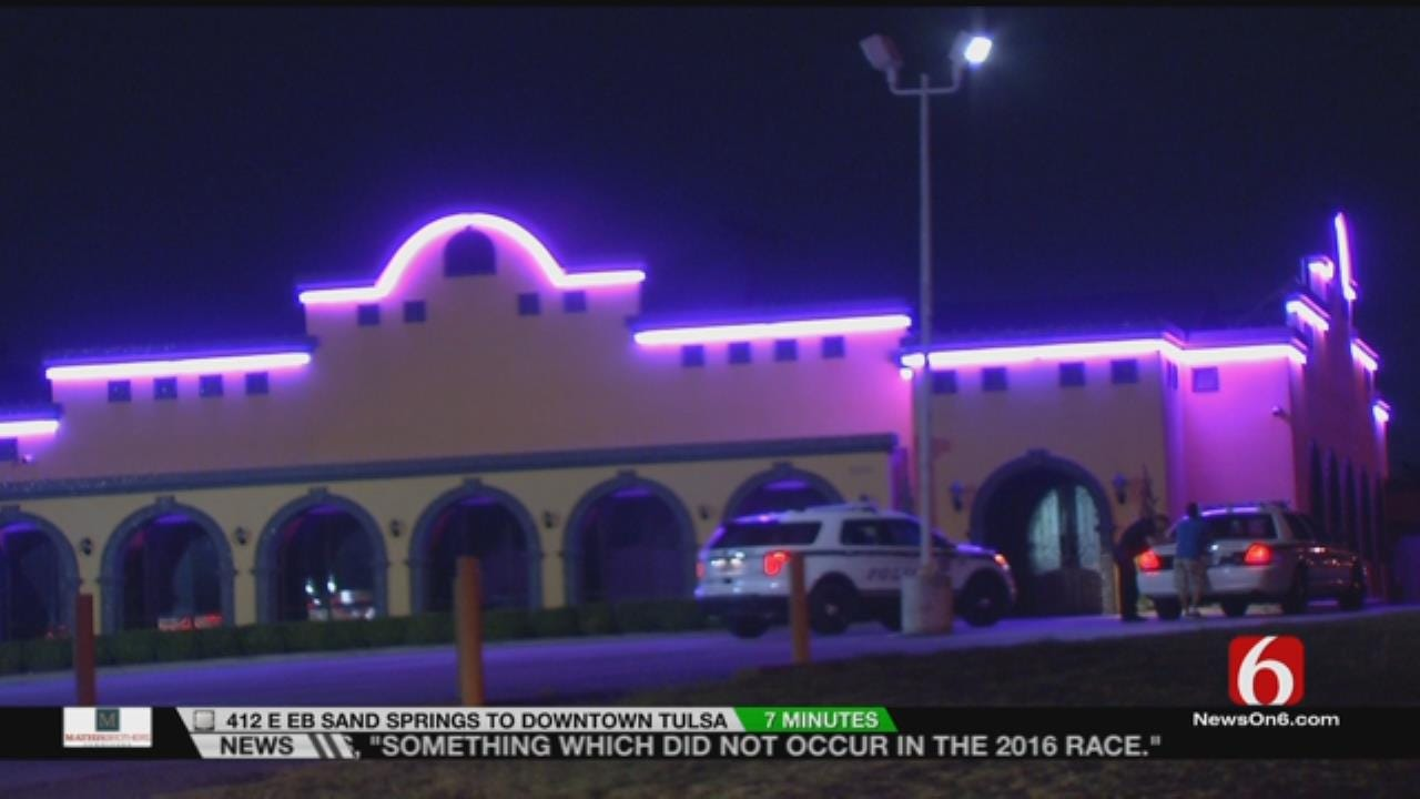 Man Robbed At Knifepoint Outside Tulsa Restaurant