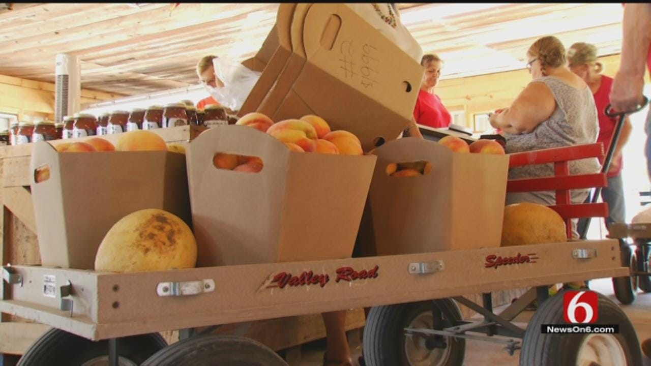 People Get Ready As 50th Annual Porter Peach Festival Begins