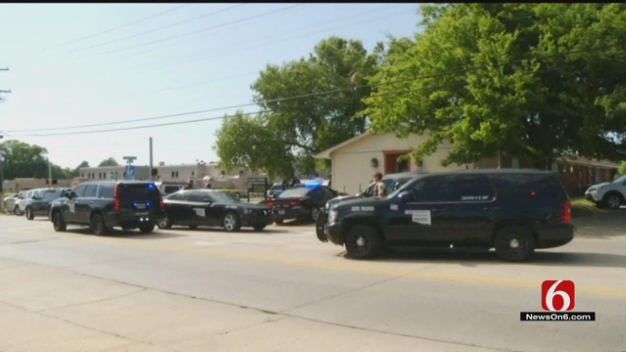 Police: Man Shoots Self During Confrontation With Trooper In Claremore