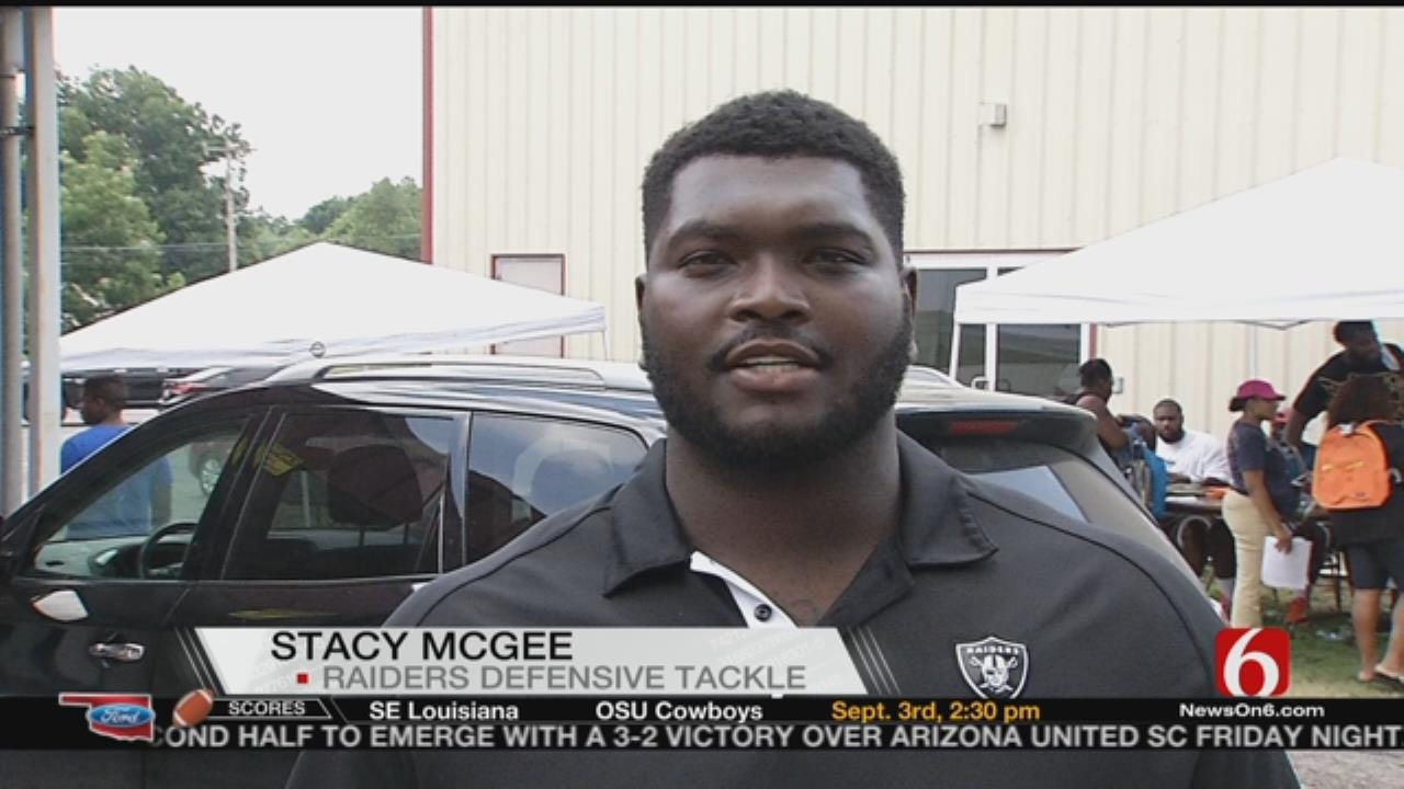 Local NFL Players Host Backpack Giveaway In Muskogee