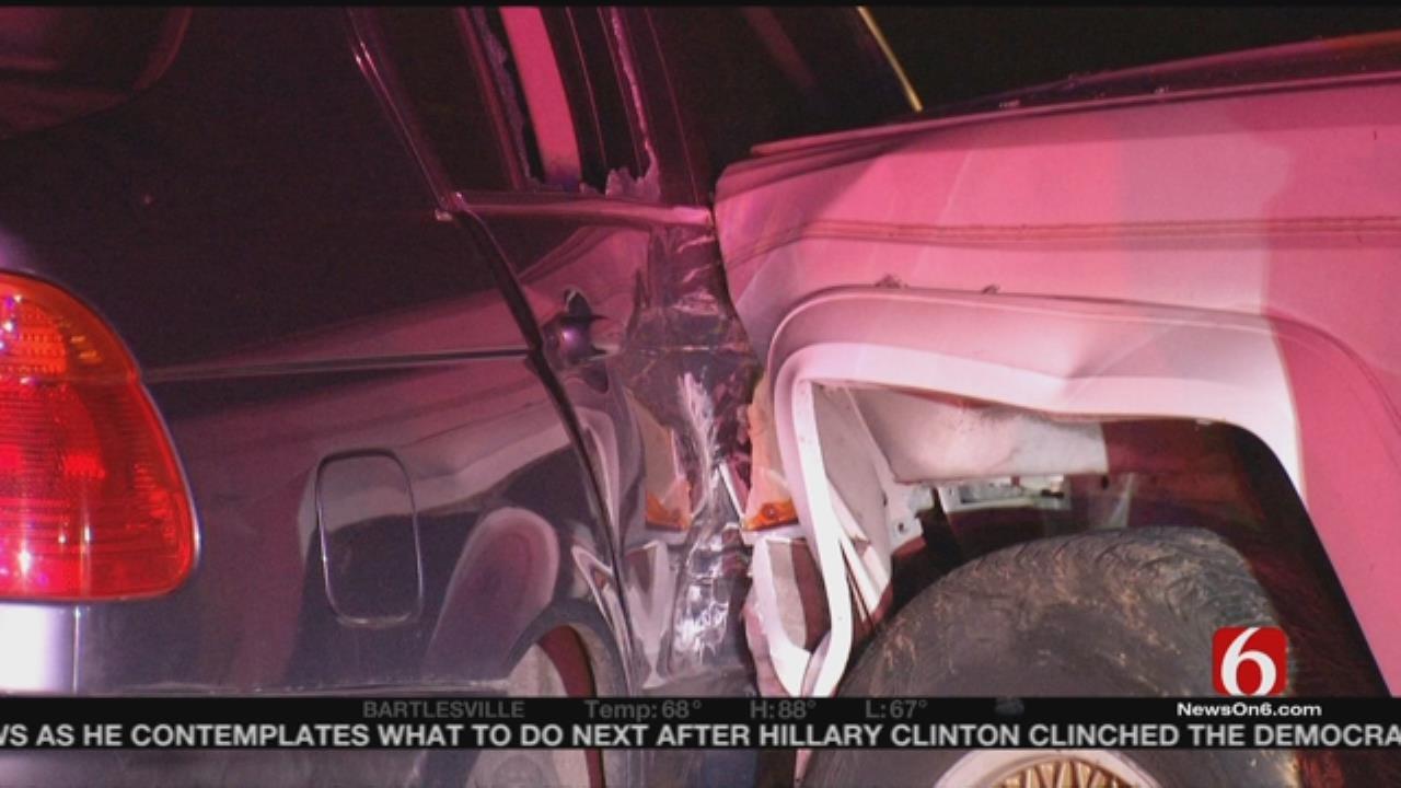 Three Escape After Tulsa Chase, Crash