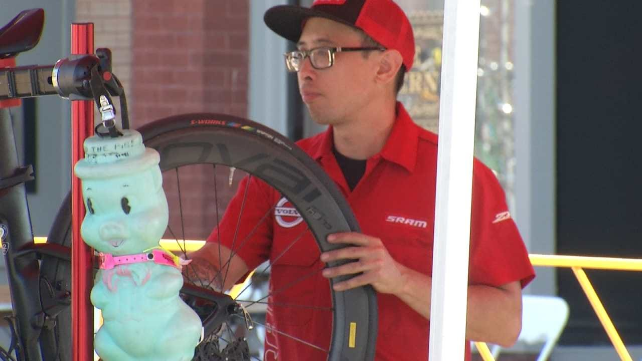 'Wheel Pit' Offers Free Mechanical Help To Tulsa Tough Racers
