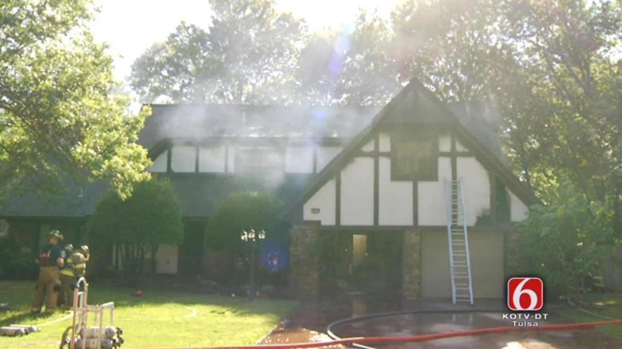 WEB EXTRA: TFD On Fully Involved House Fire
