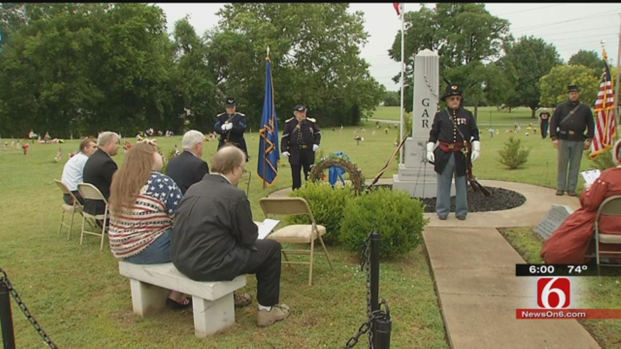 Group Recognizes Union Civil War Veterans At Tulsa Cemetery