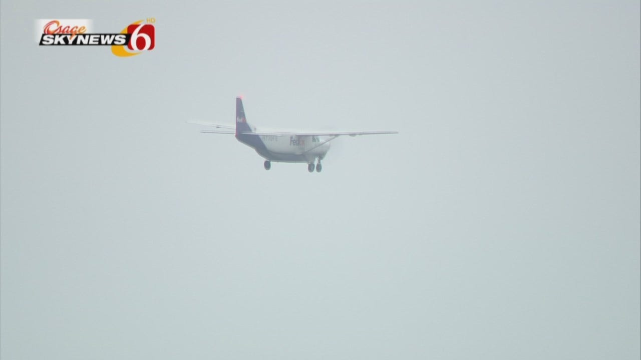 Osage SkyNews 6 HD Video: FedEx Plane Disappears Into The Clouds