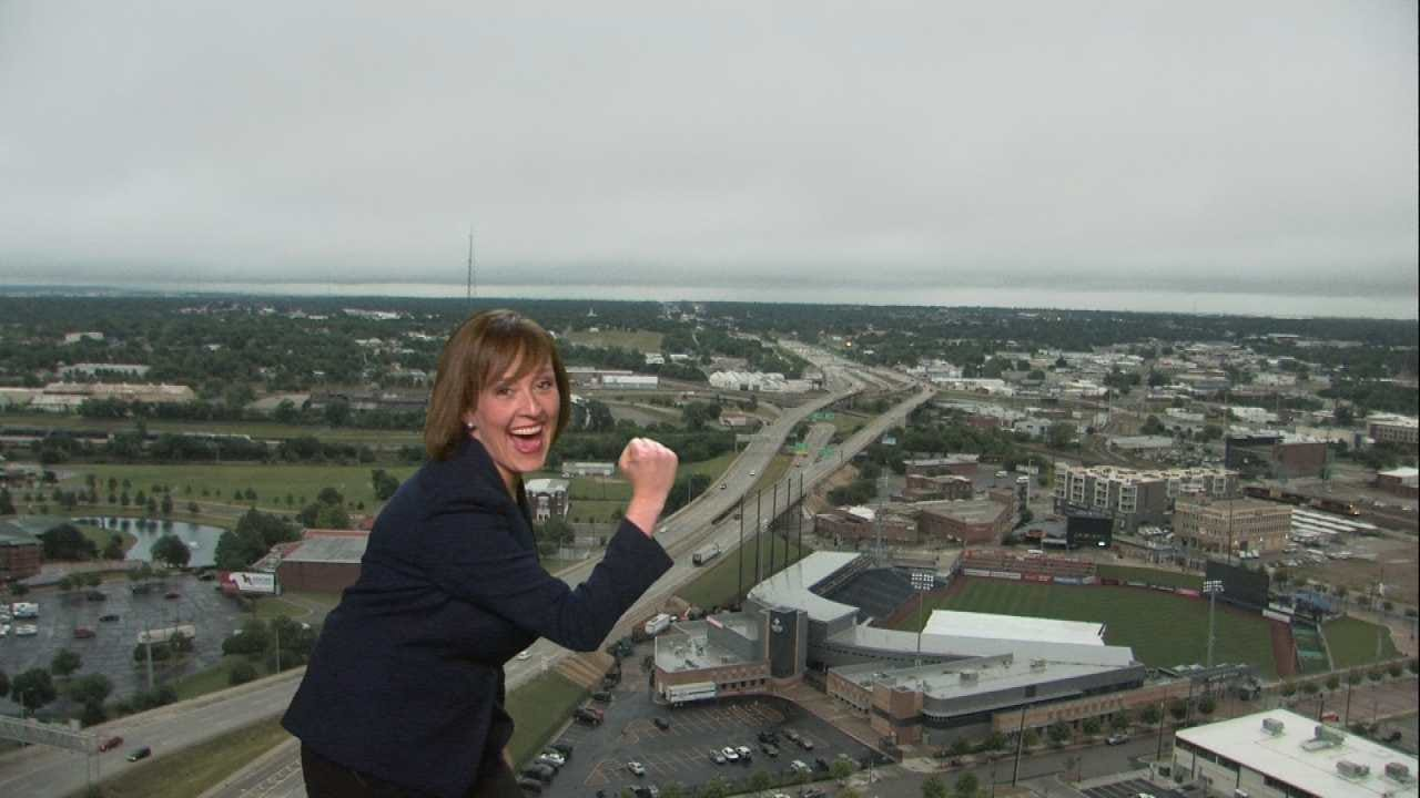 WATCH NOW: Meagan Farley Crashes Alan's Forecast