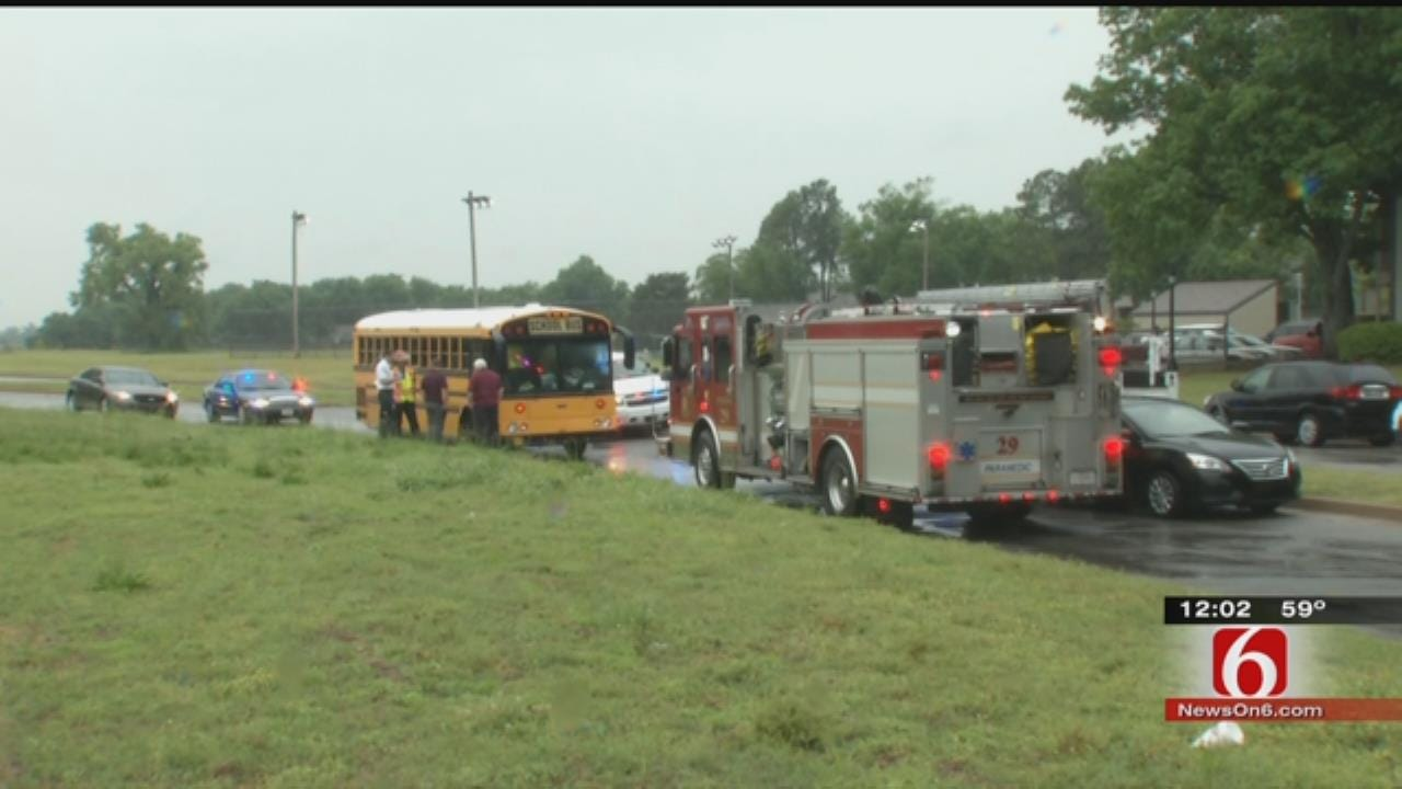 Jenks School Bus Carrying Elementary Kids Involved In Crash