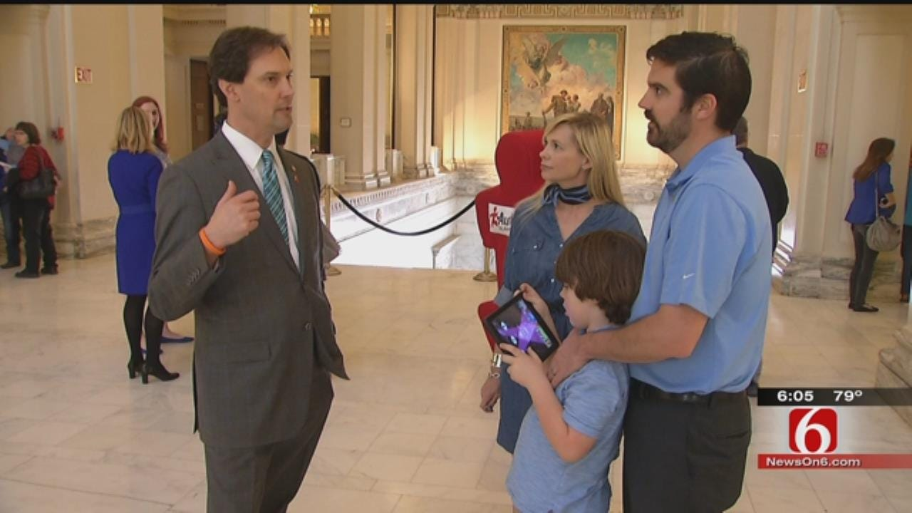 OK Lawmakers Pass Bill Requiring Insurance Companies Pay For Autism Therapy