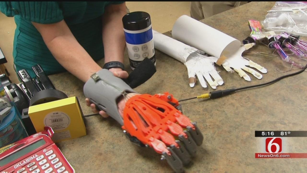 Sand Springs Students Use 3D Printer To Create Hand
