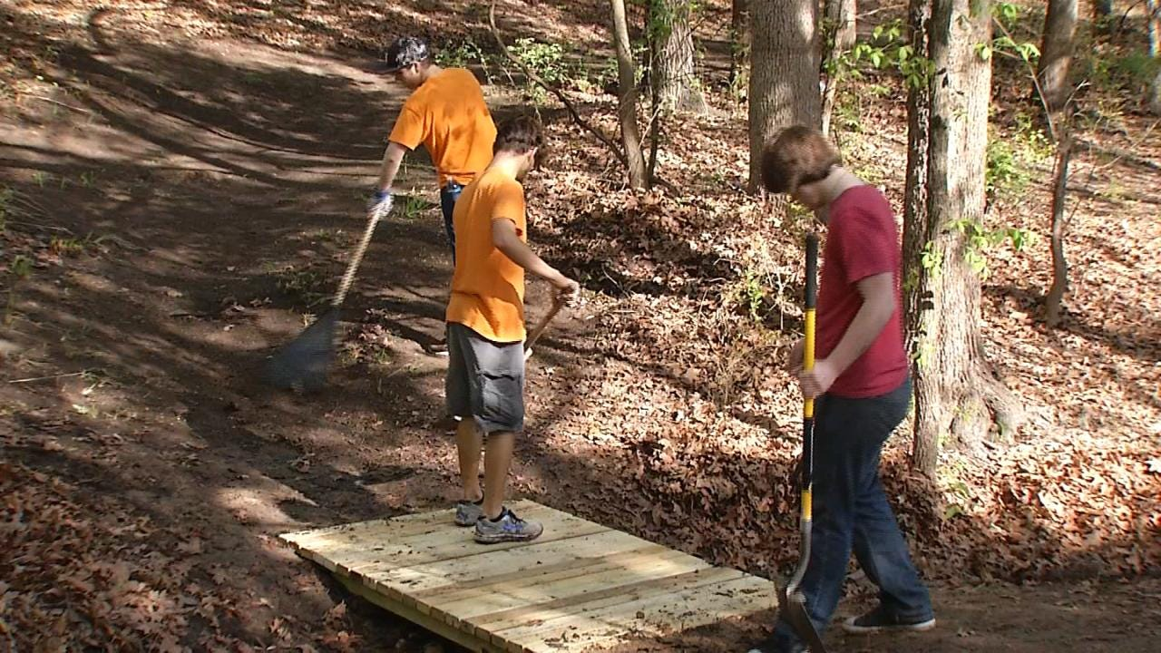 Cleveland Teen Aims For Eagle Scout Rank With Lake-Area Cleanup Project
