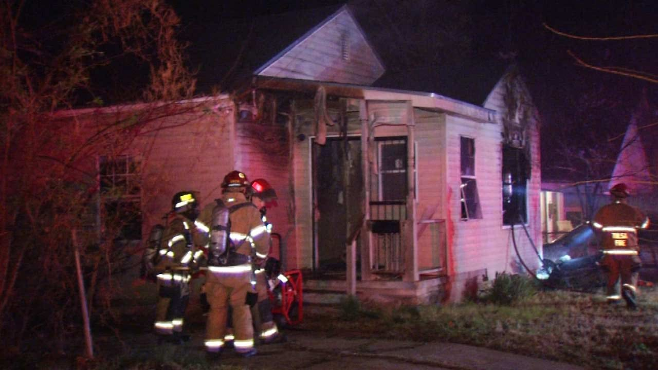 Tulsa Firefighters Quickly Get House Fire Out