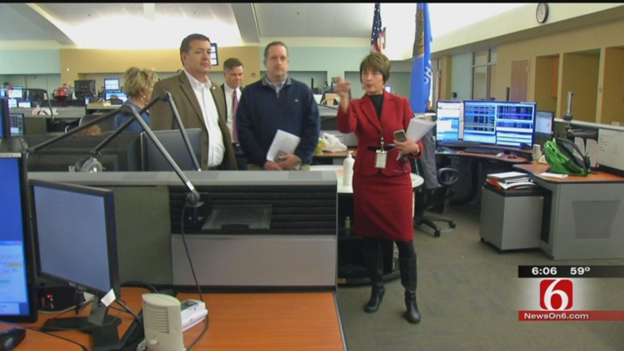 Lawmakers Tour Tulsa 911 Center To Understand Struggles