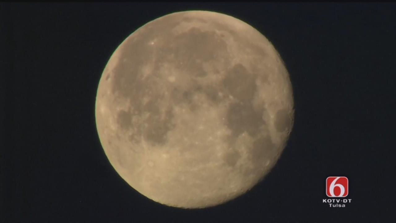 Osage SkyNews 6 HD: View Of The Moon Over Tulsa