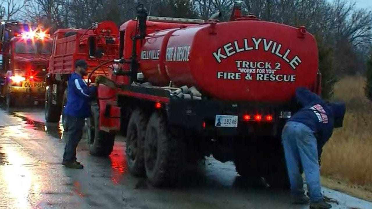 Firefighters Free Kellyville Fire From The Mud