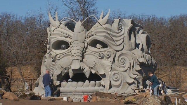 Botanic Gardens' 'Spring Giant' Sculpture Crosses Artistry, Engineering