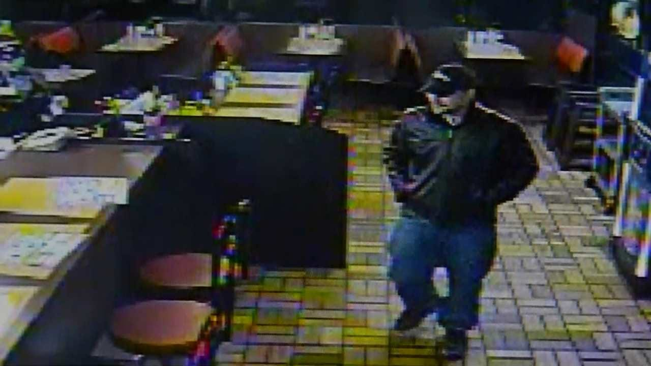 CAUGHT ON TAPE: Man Eats At Tulsa Waffle House, Robs It
