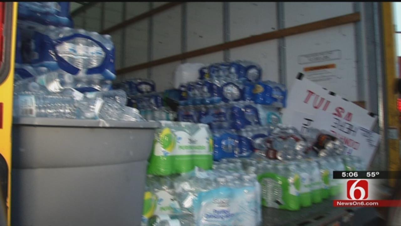 Tulsa Group Leaves To Take 15,000 Water Bottles To Flint, Michigan