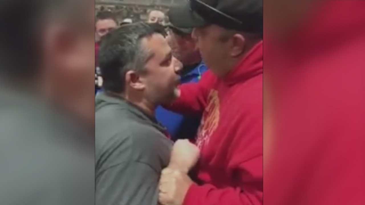 Video Shows Tony Stewart Confronting Fan At Tulsa Chili Bowl