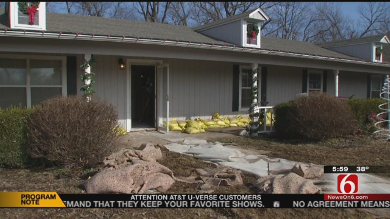 Muskogee Family Dealing With Flooding Hit By Looters
