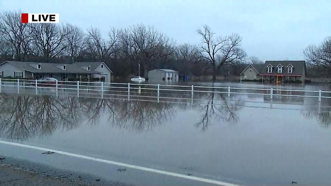 Rising Waters Flood Muskogee Homes, Close Busy Highway
