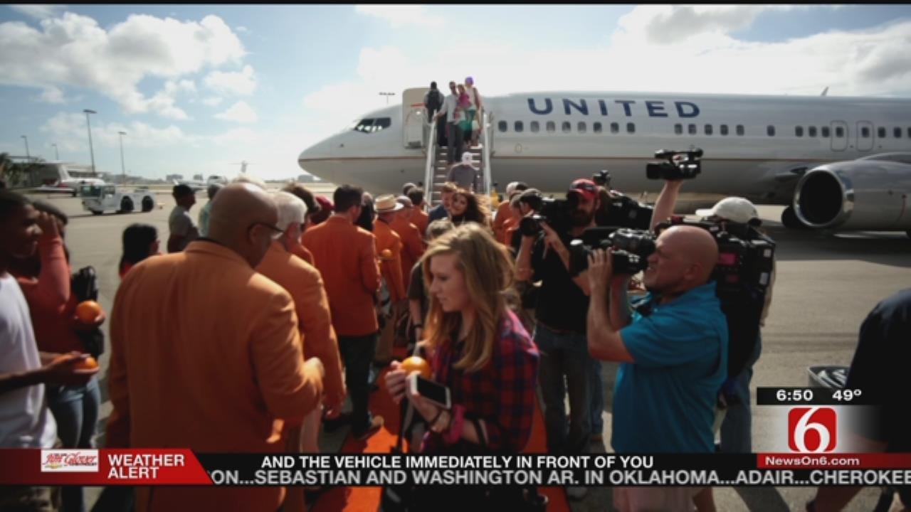 Orange Bowl: Sooners Arrive In Florida