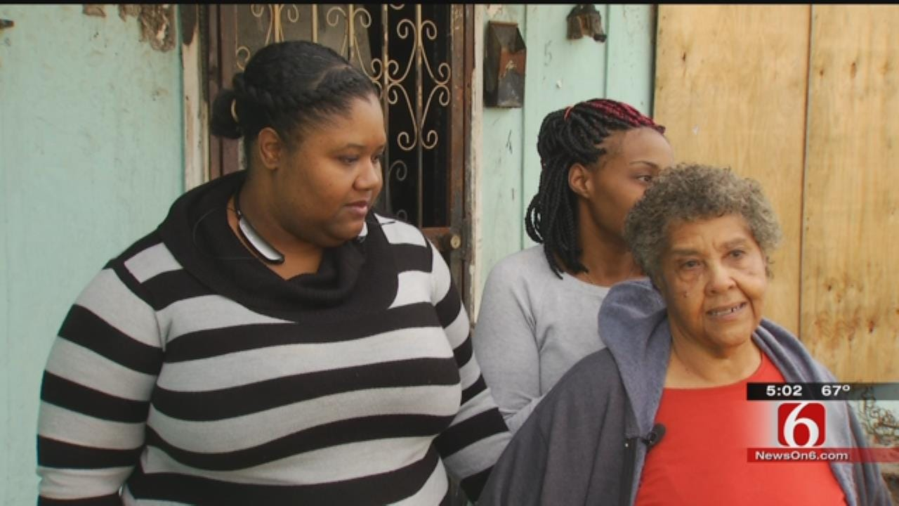 Christmas Donors Help Tulsa Family Struggling After House Fire
