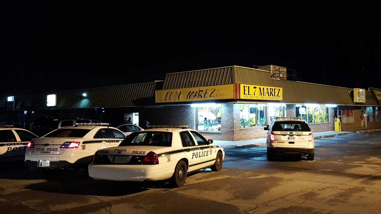 Robbers Hold Tulsa Restaurant Workers At Gunpoint