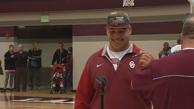 WEB EXTRA: From Jenks, Que Overton Signs To OU, While Carson Epps Signs To Iowa State