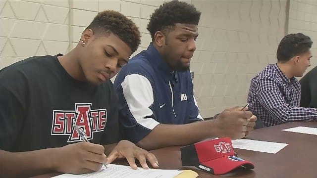 WEB EXTRA: T.J. Harris Of Booker T. Signs To Arkansas State