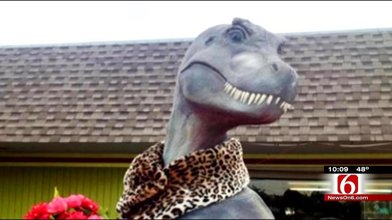 Missing: 9-Foot Tall Dinosaur Stolen From Bartlesville Pet Store