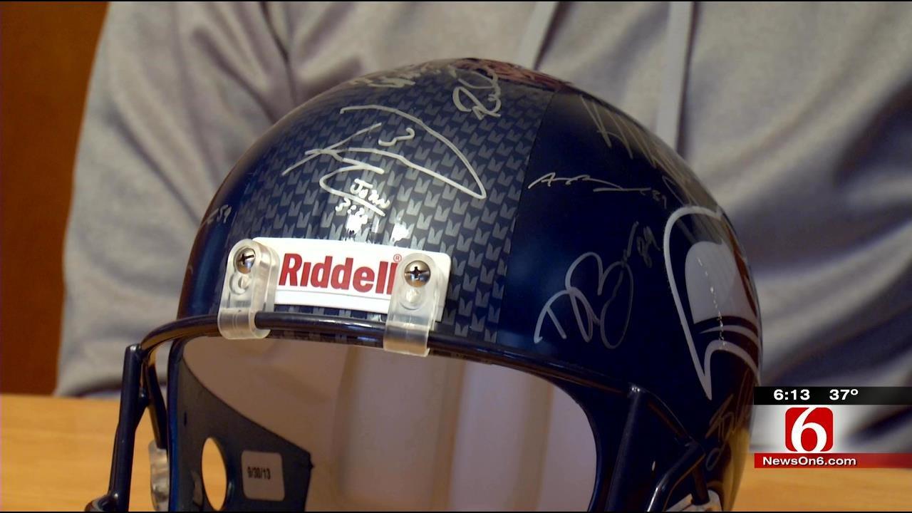 Tulsa Seattle Seahawks Fan Gets Surprise From Running Back