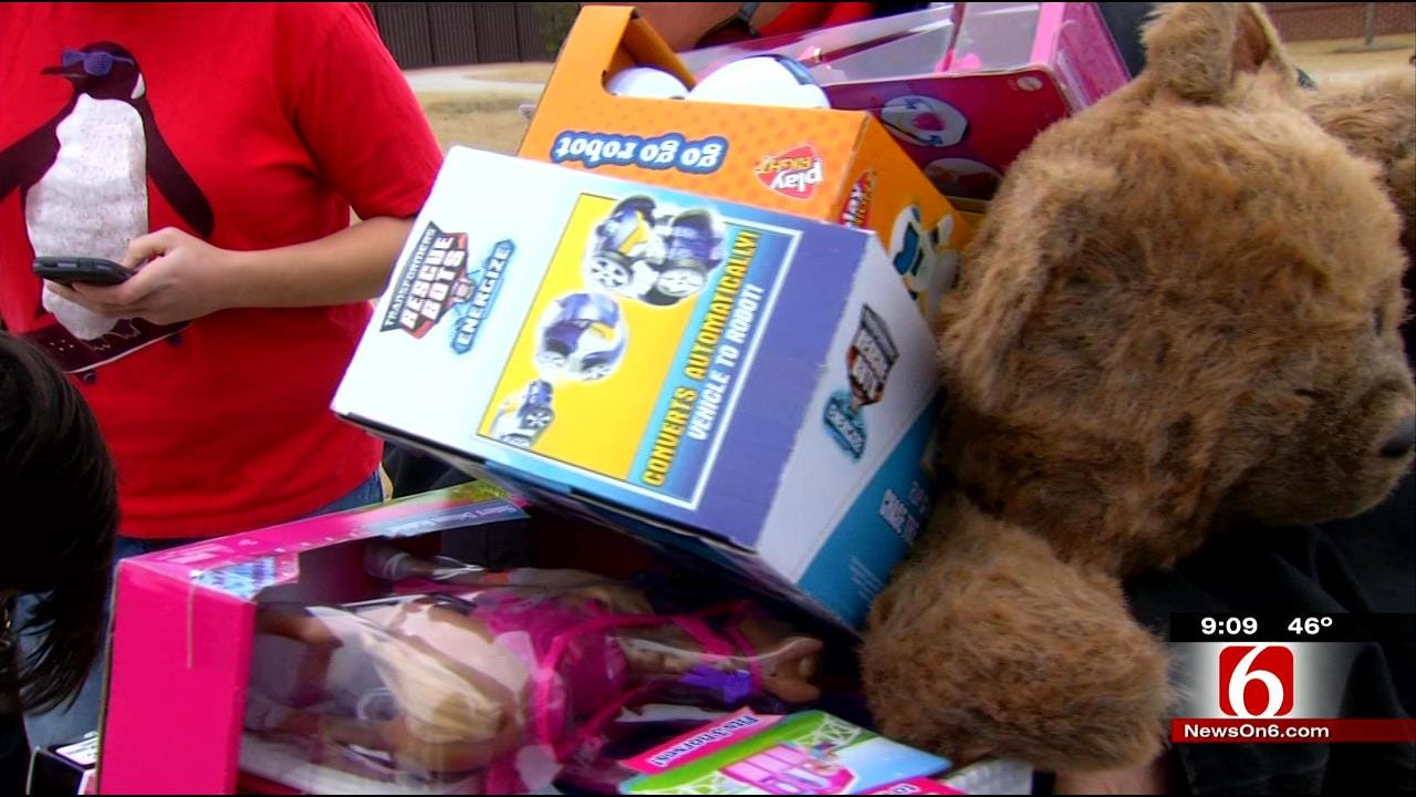 Motorcycle Clubs Bring Christmas Cheer To Tulsa Children's Shelter
