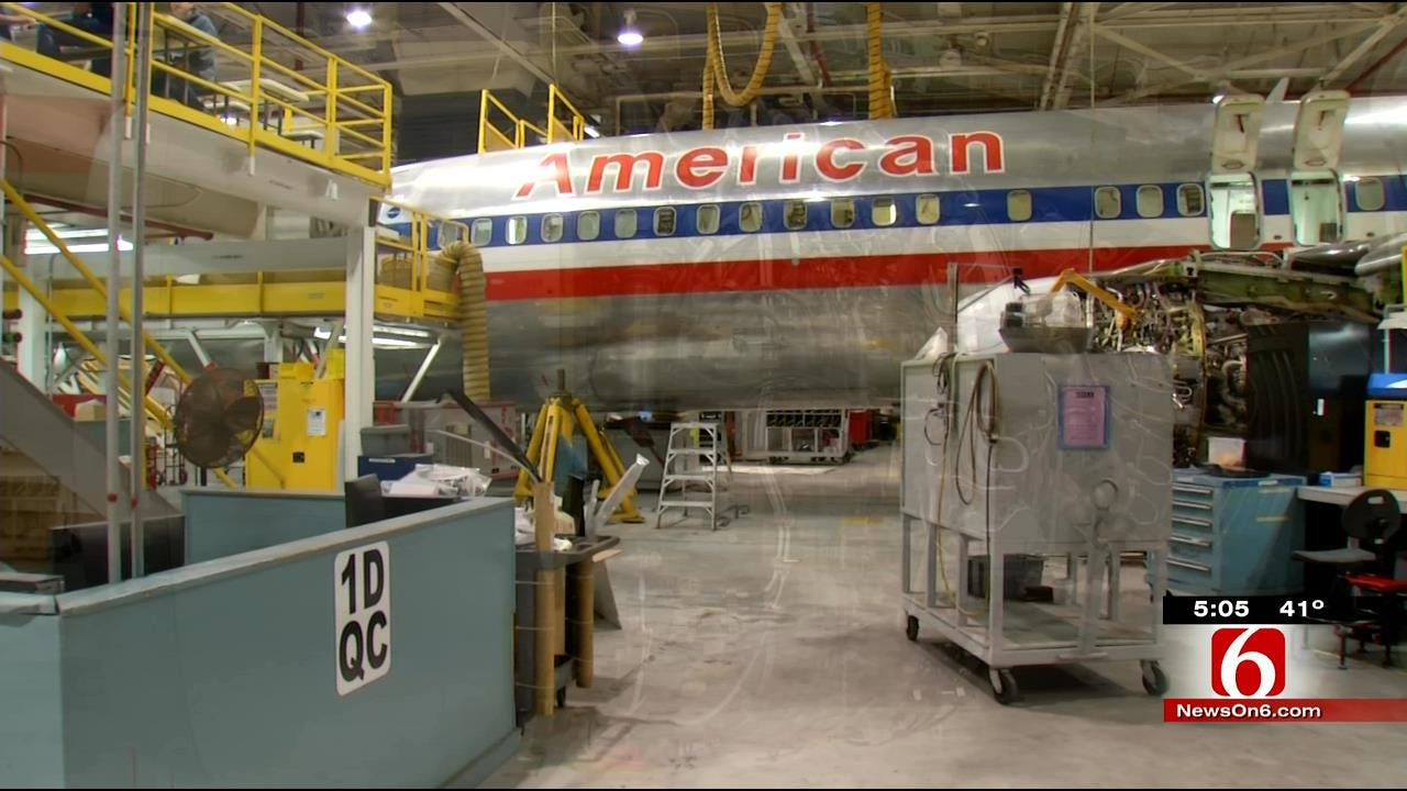 Mechanics Overhaul 737s At American Airlines Tulsa Plant