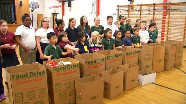 Patrick Henry Elementary Students Donate To Food Bank
