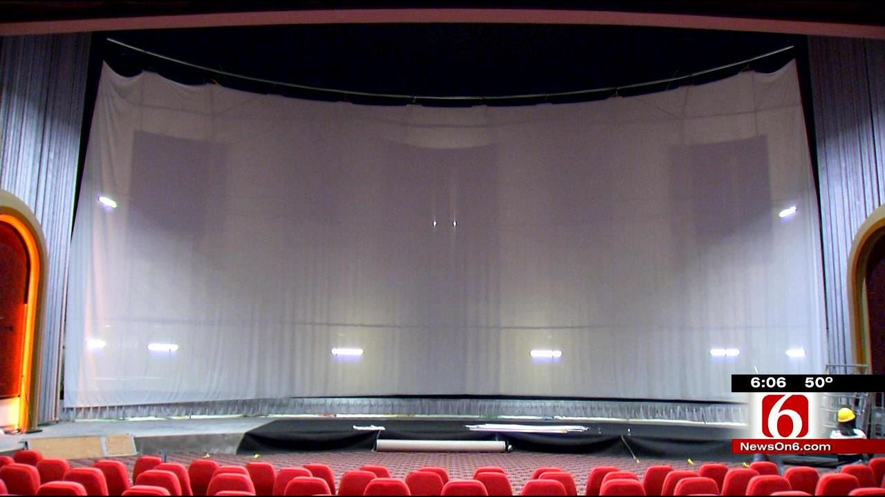 Broken Arrow's New Theater Installs First Of Its Six-Story Screens