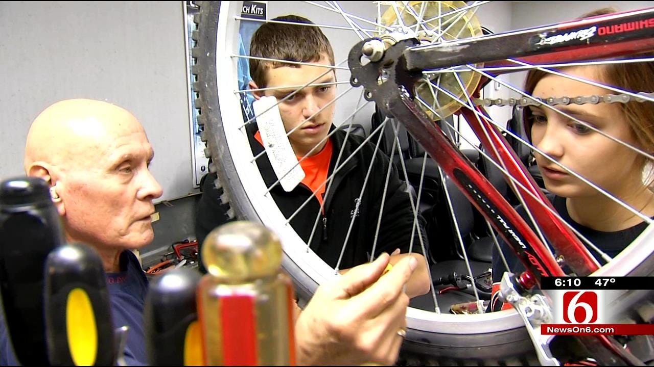 Union High Schoolers Work To Give Kids A Better Christmas