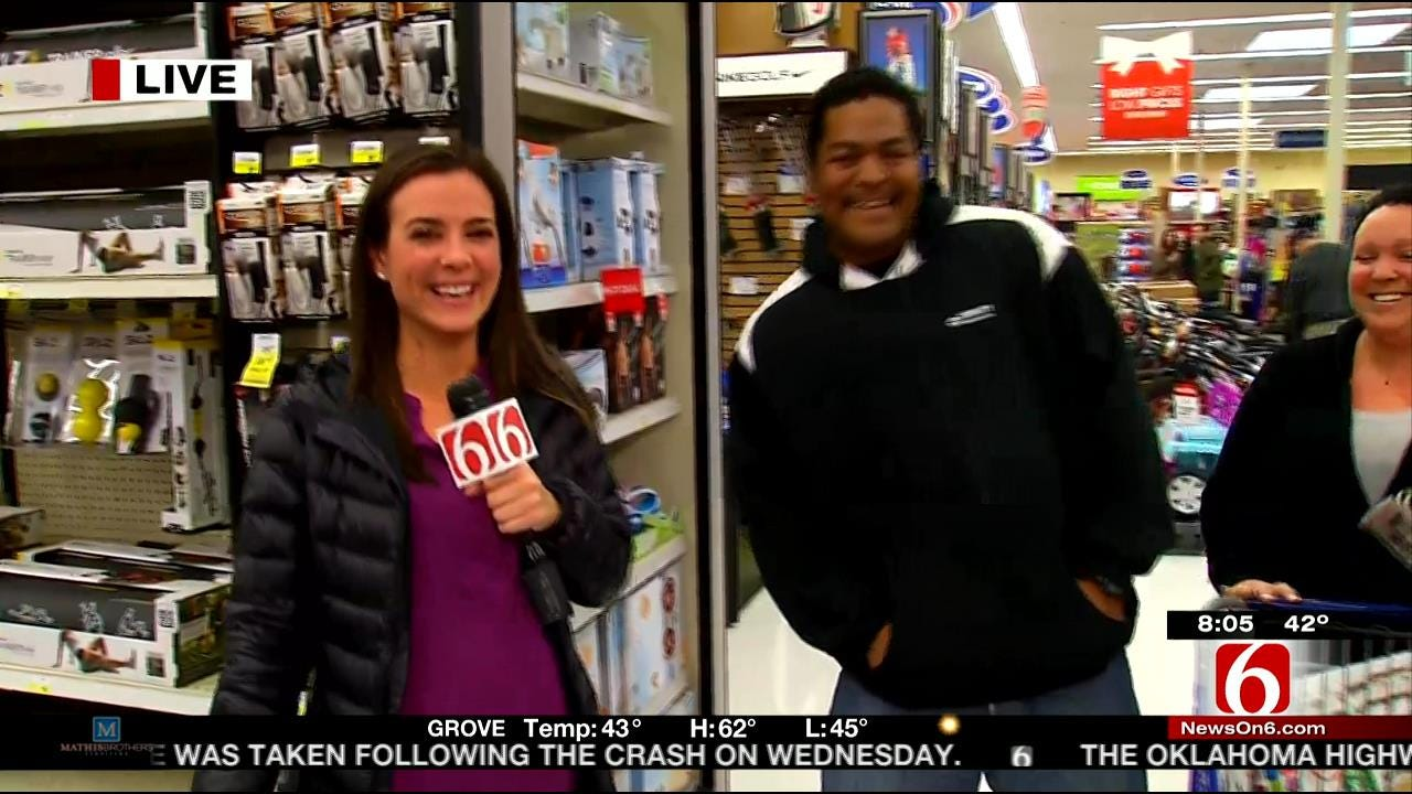 WEB EXTRA: 6 In The Morning's Erin Jones Talks To Friday Shoppers In Tulsa