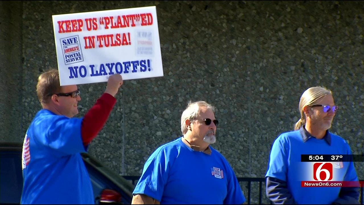 Tulsa Postal Workers Protest Local Mail Center Closing