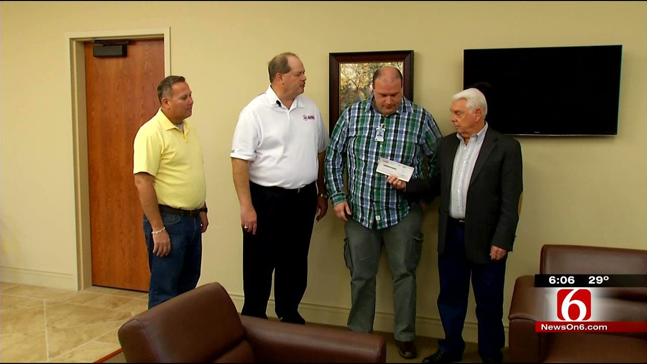 Credit Union Donates To Local Mission
