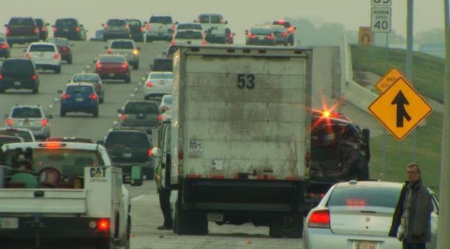 Woman Injured In 3-Vehicle Wreck On BA Expressway