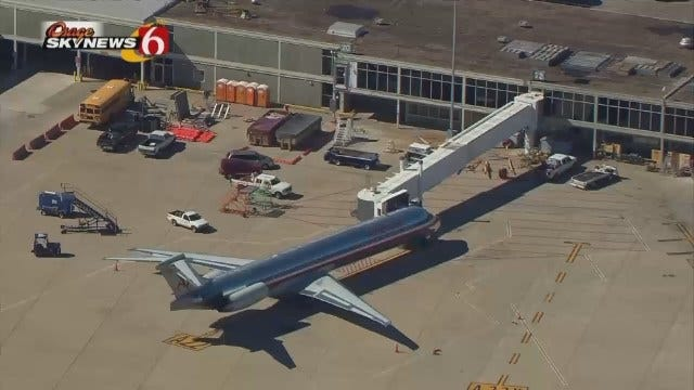Tulsa Int'l Airport Officials Hold Meeting To Discuss Ebola, Travelers