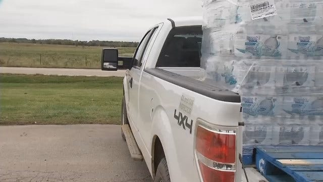 WEB EXTRA: Emergency Management Handing Out Bottled Water To Nowata County Residents