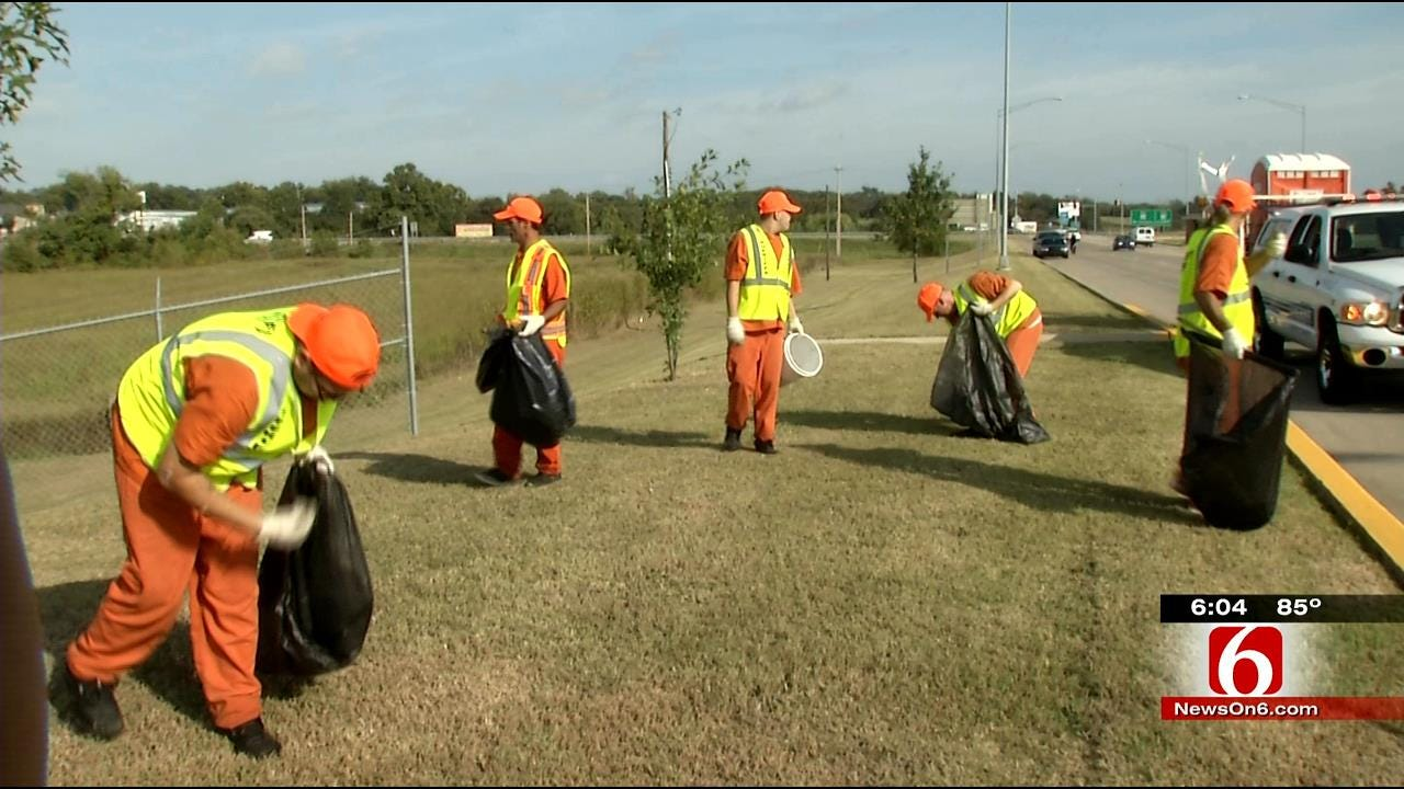 Rogers County Inmates Turn Trash To Cash For Sheriff's Department